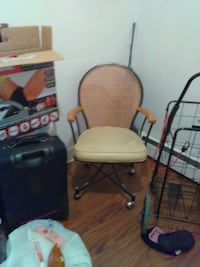 Desk chair good condition with wheels Buffalo, 14201