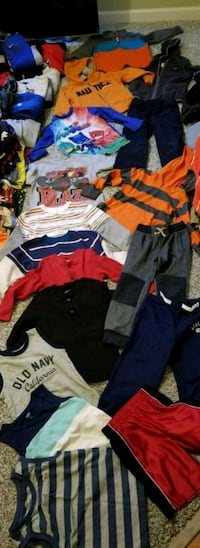 BOYS 17 PIECE CLOTHING LOT SIZE 4T Fountain Inn