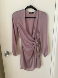 Missguided satin dress size: 6 soft satin. Worn twice.paid full price plus shipping. Great condition. Meet at Yonge and Bloor or on Yonge subway line. Toronto, M4W 2M9