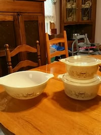 Pyrex mixing bowl and casserole baking glassware McDonald, 37353