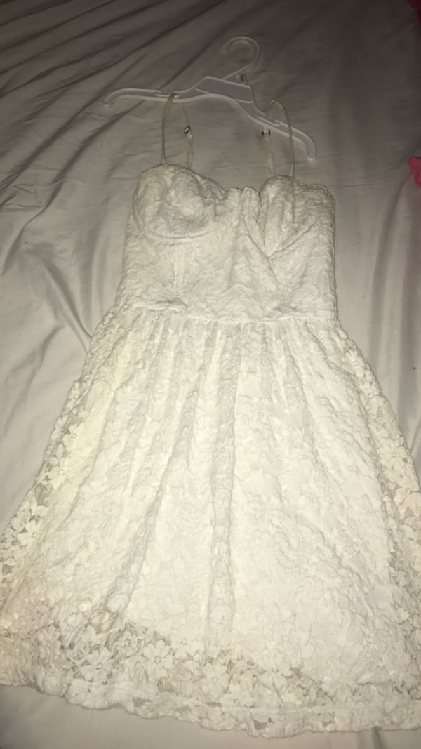 White Abercrombie and fitch dress 4be3843c-e256-475c-adf3-4277bcdd8d3c