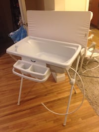Standup baby bath and changing table Miami Beach, 33140