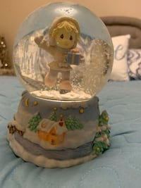 precious moments- snow globe - winter wonderland  Markham, L6E 1Y3