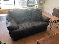 black leather 2-seat sofa Kelowna, V1V