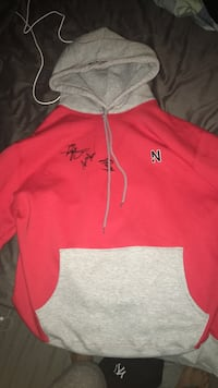pink and white Under Armour pullover hoodie Kitchener, N2E