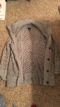 American Eagle Knitted Sweater Size Small Harrisonville, 64701