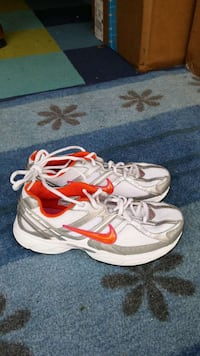 Nike shoes women size 8.5 Columbus, 43213