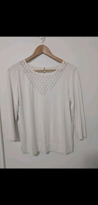 Club Monaco cream top Toronto, M1L 1V6