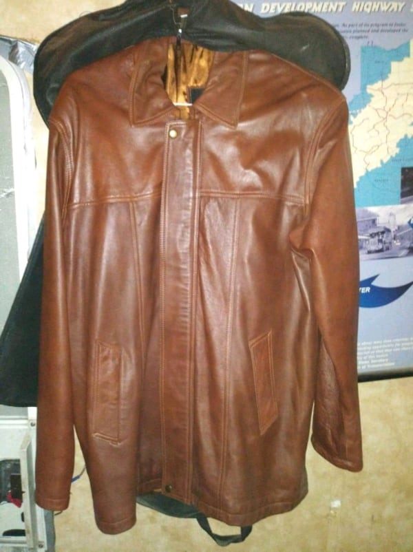 New brown Fernando lambskin leather jacket only worn twice 4ab1610d-cc84-4f2b-8afd-e7d6ca44075a