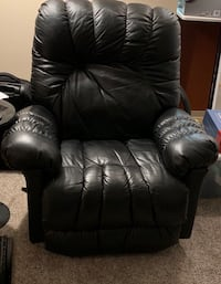 Leather recliner Hillsboro, 97123