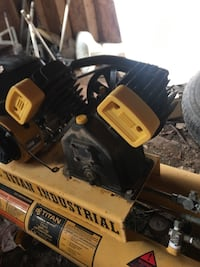 Titan industrial air compressor Knoxville, 37924