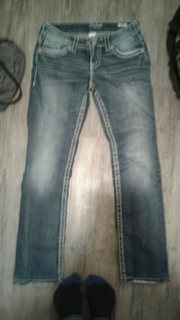 Silver jeans size 28 new 50 obo