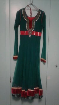 women's green and red long sleeve dress Toronto, M1H 1R2