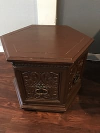 Gothic Wooden Table Thing!