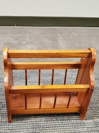 SMALL, POLISHED NATURAL WOOD MAGAZINE RACK - firm price. Arlington, 22204