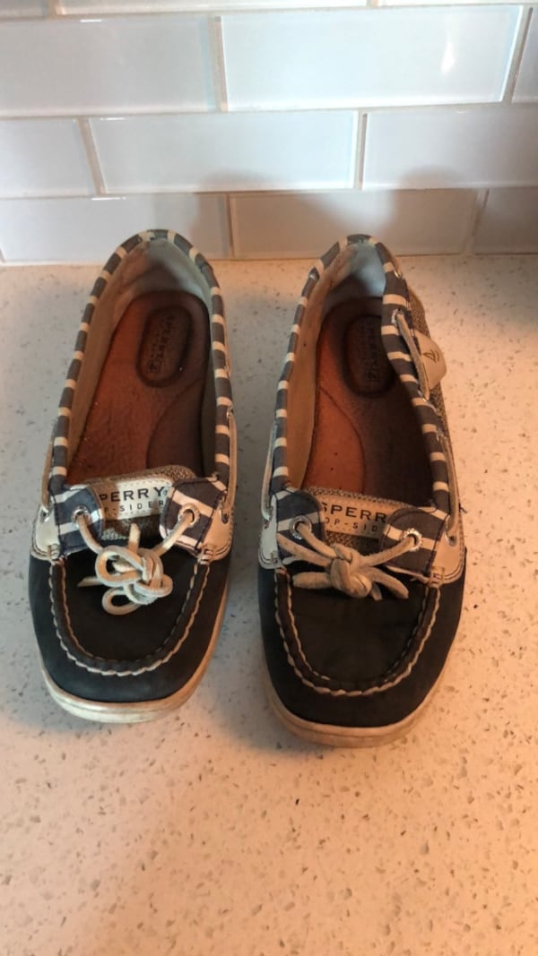 Sperry Blue/White Striped Boat Deck Shoes - Women's 7 68713f78-1cb6-4172-8557-2d818a857727