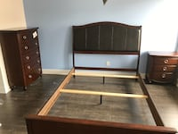 Brand new espresso wooden queen bed frame with high headboard on sale 多伦多, M1R 4Z8