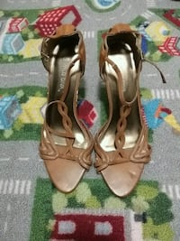 Wild Diva Pair of brown leather open-toe heels St. Catharines, L2R 5L7