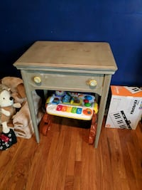 Sewing table Clarksville, 37040