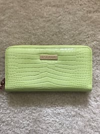 Escada Wallet in Line Green and Pink GENINE LEATHER 23 mi