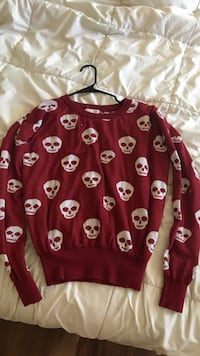 red and white floral print sweater Fair Oaks, 95628