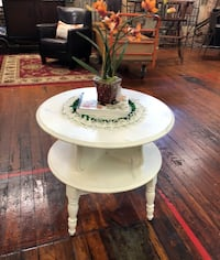 White 2-Tiered Table Jefferson, 30549
