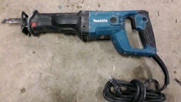 Makita reciprocating saw in good condition