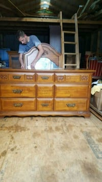 dresser with mirror that screws onto the back Maryville, 37801