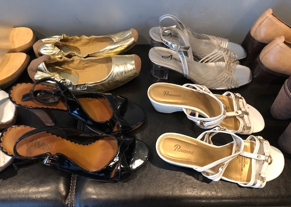 Bulk 13 pair shoe lot . Mostly size 7 , and 8 6