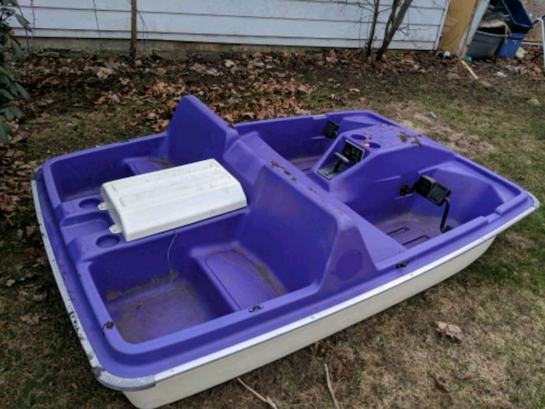 Sun dolphin electric /paddle boat
