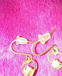PRETTY  {HEART}  EARRINGS  West Fargo