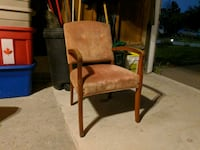 Free velvet antique pink wood arm chair Mississauga, L5C 3N7