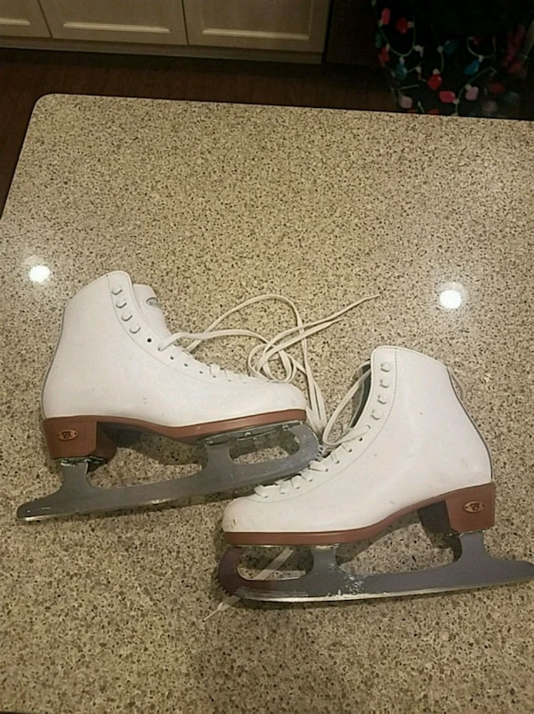66b936aa613 Used RIEDELL Womens size 6 ice skates for sale in North Bellmore - letgo