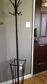 black metal base with white lampshade floor lamp Hagerstown, 21740