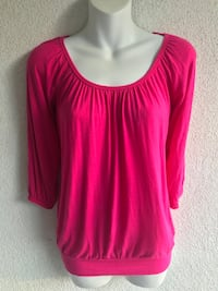 pink scoop-neck shirt Modesto, 95355