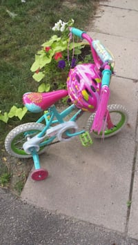 Toddler girl bicycle with training wheels Mississauga, L5L