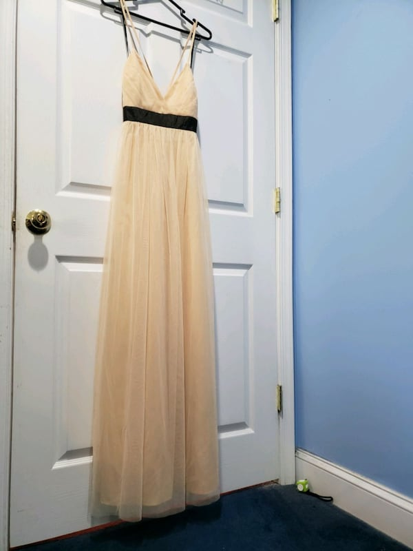 New dress with tags acc2b989-67e9-431d-a639-8264ee1b9c4a