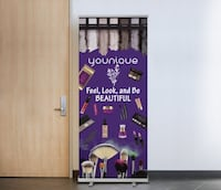 Younique Moonstruck Retractable Stand-up Banner Derry, 03038