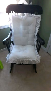 rocking chair Bowmanville, L1C 3N8