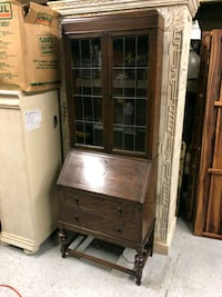 brown wooden framed glass display cabinet San Diego, 92111
