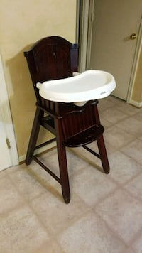 white and brown high chair Woodbridge, 22192