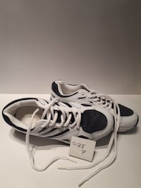 size 7 white-and-black low-top shoes
