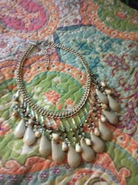 green and white beaded necklace Prescott, 86303