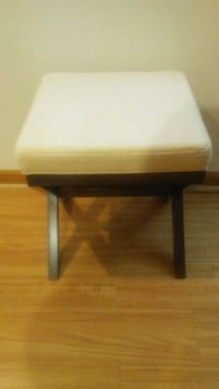 Vanity Stool with Cushion (New) Glendale Heights, 60139