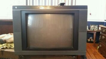 20 in general electric stereo television color with remote