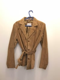 New  never been  worn suede beige blazer smoke free pets free Peterborough, K9H 0A1