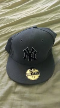 black New York Yankees fitted cap Mississauga, L5N 2E3
