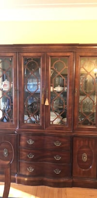 Cabinet& dining table & chairs Garden City, 11530