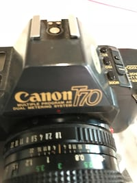 Canon T70 don't have the flash Bolton, L7E 2L5
