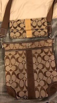 Coach cross body with matching wallet. Price is firm. If it's posted it's available